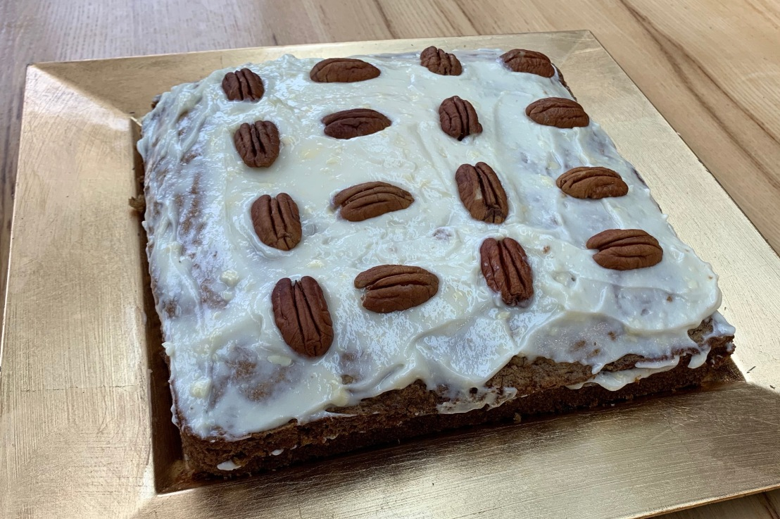 Around the world in 80 bakes, no.16: Carrot Cake from California